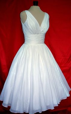 50's style wedding dress... I already have my dress but this is so cute.