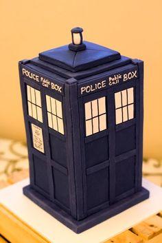 Dr Who Tardis cake. Image © Tasha Owen Photography