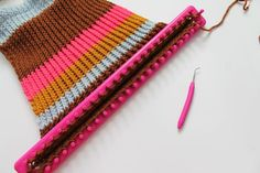 Bump up your crafting finesse by knitting an impressive striped tote -- using a simple beginner stitch.