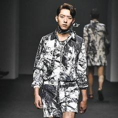 151017 2016 S/S Seoul Fashion Week -  SONGZIO  #JungShin #이정신 cr…