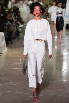 #Kenzo  #fashion #Koshchenets  Kenzo Spring 2017 Ready-to-Wear Collection Photos - Vogue