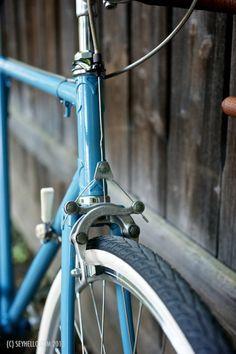 Vintage Bicycles, Blues