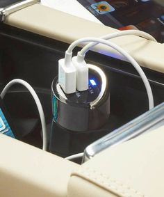 Dual-USB Car Charger for iPad & iPhone tech stuff