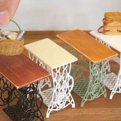 antique sewing machine・・・・台 なんて言うんだろう? ソーイングマシンテーブル? sewing machine table? #handmade#miniature#dollhouse#antique#sewing#sewingmachine#sewingmachinetable#interior#remake#ハンドメイド#ミニチュア#ドールハウス#アンティーク#アンティーク風#ミシン#ミシン台#テーブル#リメイク#インテリア
