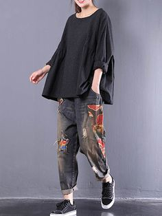 Women Crewneck Check Loose Baggy Blouse at Banggood Blouse Styles, Blouse Designs, Cool Outfits, Fashion Outfits, Fashion Blouses, Womens Fashion, Fashion Trends, Pakistani Fashion Casual, Baggy Clothes