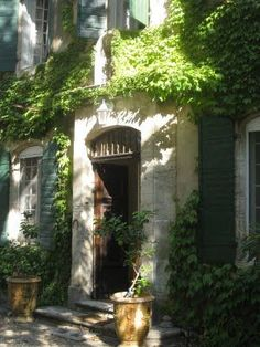 Antique Country French House and gardens in Avigno...