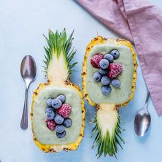 Healthy Smoothie Bowls with Spirulina