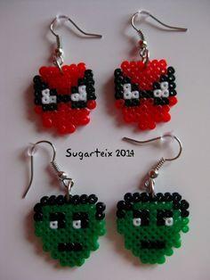 Pendientes de super héroes en hama mini. Si te gusta puedes adquirirlo en nuestra tienda on-line: http://www.mistertrufa.net/sugarshop/ Ver más en: http://mistertrufa.net/librecreacion/groups/hama-beads/