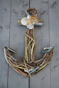 For the love of driftwood. Driftwood Anchor with Seashells by My Honeypickles on Etsy Driftwood Projects, Driftwood Art, Painted Driftwood, Seashell Crafts, Beach Crafts, Deco Marine, Shell Art, Beach Art, Beach House Decor