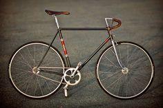 Peugeot PRN10 de 1977 remis au goût du jour | Fixie Singlespeed, infos vélo fixie, pignon fixe, singlespeed.