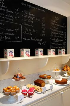 Strat the day with an healthy break fast at #Claus and enjoy a gourmet morning in #Paris