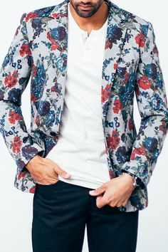 This bold blazer isn't for the wallflowers. Although it has a trim, tailored look, it's designed with a soft, knit fabric to keep you comfortable all day. Dress it up with a button-down and oxford shoes or keep it casual in a tee and sneakers.