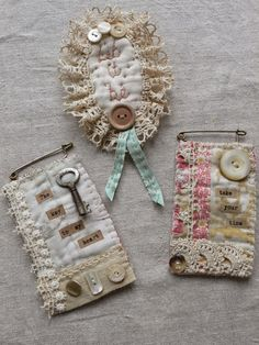 gentlework: I love her sweet soft creations Textile Jewelry, Fabric Jewelry, Textile Art, Jewelry Art, Jewellery, Sewing Crafts, Sewing Projects, Fabric Brooch, Fabric Journals