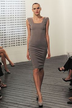 Victoria Beckham Spring 2010 Ready-to-Wear Collection Slideshow on Style.com