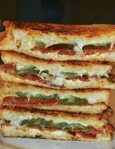Bacon & Jalapeño Popper Grilled Cheese Sandwich