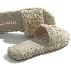 Dr Shoes, Mules Shoes, Shoes Sandals, Sunglasses Shop, Sunglasses Online, Chanel Fashion, Fashion Shoes, Boutiques, Chanel Mules