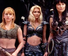 Renee O'Connor as Gabrielle, Hudson Leick as Callisto and Lucy Lawless as Xena Warrior Princess. Xena Warrior Princess Cast, Xenia Warrior Princess, Callisto Xena, Hudson Leick, Fantasy Female Warrior, Woman Warrior, Paddy Kelly, Cinema, Cosplay Outfits