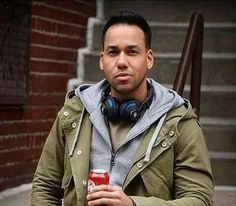 """King of Bachata"" Romeo Santos on His Dr Pepper Campaign, Working With Drake, and the Best Advice Tony Bennett Ever Gave Him Joseph Gordon Levitt, Jenni Rivera, Daddy Yankee, Selena Quintanilla, Celebrity Pictures, Celebrity News, Divas, Tony Bennett, Raining Men"