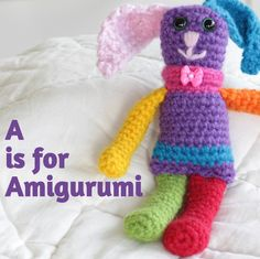 Amigurumi for Beginners guide - a run down of the basic tools, a collection of beginner tutorials and some places online to get inspired to create these lovelies.