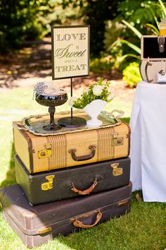 like this idea a lot! Sweet Station, Wedding Styles, Wedding Ideas, Vintage Trunks, Canning Jars, Suitcases, Love Is Sweet, Here Comes The Bride, Wedding Details