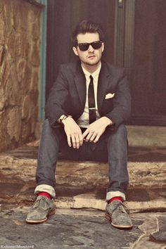 Rocking the red socks. http://dailyshoppingcart.com/mensfashion