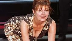 Susan Sarandon is ridiculously hot for 67 - Just got down watching The Big Wedding(shit movie) and besides the latin bitch, I would want to fuck her gilf ass Susan Sarandon Joven, Susan Sarandon Hot, Chris Sarandon, Beautiful Old Woman, Hollywood Walk Of Fame, White Girls, Older Women, American Actress, Sexy Women