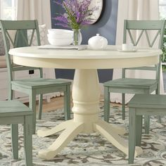 Ambitious reached shabby chic dining room decor their explanation Painted Kitchen Tables, Small Kitchen Tables, Dining Table In Kitchen, Round Kitchen, Small Tables, Kitchen Decor, Small Kitchens, Pedestal Dining Table, Solid Wood Dining Table