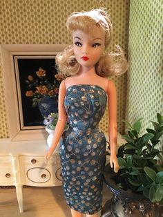 Uneeda Miss Suzette Vintage Barbie Dolls, Barbie Friends, Barbie Clothes, Fashion Dolls, Redheads, Ponytail, Vintage Items, Formal Dresses, Collection