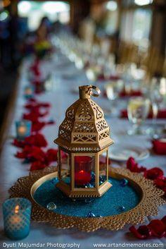 43 Ideas Wedding Centerpieces Lanterns Decor For 2019 Indian Wedding Centerpieces, Lantern Centerpiece Wedding, Decor Wedding, Turkish Wedding, Moroccan Wedding, Indian Fusion Wedding, Indian Wedding Theme, Indian Party, Indian Weddings