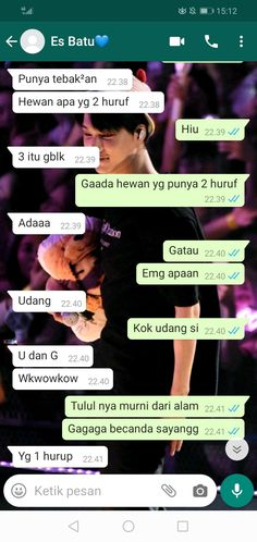 Haha Quotes, Jokes Quotes, Funny Quotes, Quotes Lucu, Cinta Quotes, Massage Funny, Twitter Quotes Funny, Funny Chat, Cute Relationship Texts
