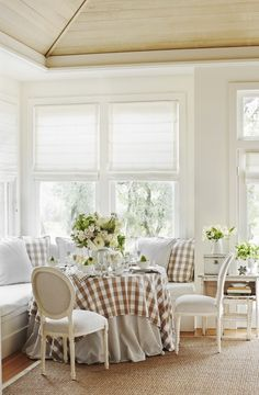 Kitchen with Dining Nook and Banquette Banquettes, Enchanted Home, Piece A Vivre, Dining Nook, Kitchen Nook, French Decor, Cottage Style, White Cottage, Country Decor