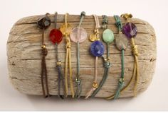HAPPY STONE BRACELET. Original Happy Stone bracelets with adjustable cord and natural stone. Unique pieces insipirated in the magic of nature. Ideal for yoga practitioners and lovers of gemtherapy. #piabarcelona #happystone #magicofnature