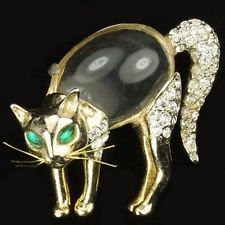 Coro 'Feline Beauty' Gold and Pave Jelly Belly Scared Cat with Whiskers Pin