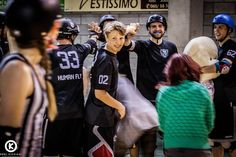 Do you know this guy ? It's Sasha aka Gold-O-Track. He's only 15 but already plays with Manneken Beasts since one year ! We think he'll be one of the top World derby player in a couple of years and Team Belgium will miss him at the next @mrdwc !#merby #mensrollerderby #rollerderby #risingstar #orelkichigaiphotography by mannekenbeasts