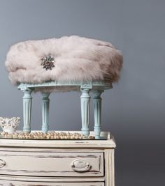 """""""Old world with a new twist"""" Venetian Decor® is an in house boutique that specializes in reproduction, vintage french furniture and luxurio. Furniture Ads, Refurbished Furniture, French Furniture, Custom Furniture, Painted Furniture, Vanity Stool, Diy Vanity, Vanity Tables, Vanity Ideas"""