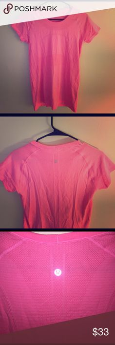 🍋Lululemon Swiftly Tech Short Sleeve Crew Worn once! - size 6 - lightweight fabric and seamless construction keep you moving freely lululemon athletica Tops Tees - Short Sleeve
