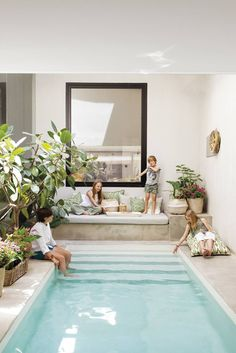 Small Backyard Pools, Backyard Pool Designs, Outdoor Spaces, Outdoor Living, Outdoor Decor, Spanish Style Bathrooms, Piscina Interior, Pool Houses, Home And Living
