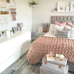 Perfect Dream Room Ideas For Girl Bedroom Designs « mistertekno. Teen Bedroom Designs, Bedroom Decor For Teen Girls, Cute Bedroom Ideas, Cute Room Decor, Room Ideas Bedroom, Teen Room Decor, Small Room Bedroom, Home Decor Bedroom, Bedroom Inspo