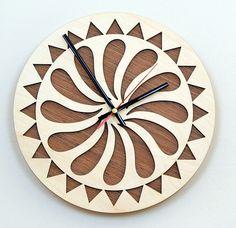 Weiteres - 28cm Holz Wanduhr / Home Decor / Haushaltswaren - ein Designerstück von KWUD bei DaWanda