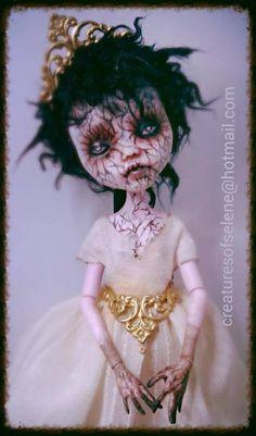 The Skullette — Custom Monster high Custom Monster High Dolls, Custom Dolls, Monster Dolls, Corpse Bride Doll, Creepy Old Photos, Creepy Baby Dolls, Living Dead Dolls, Gothic Dolls, Halloween Doll