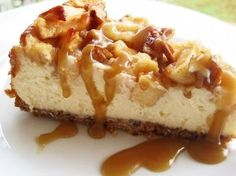 Apple Pecan Cheesecake is such a wonderful blend of fall flavors. The beautifully tart apples, the crunchy pecans make this cheesecake a winner. This cheesecake is sure to become a family favorite. Best Caramel Apple Recipe, Apple Recipes, Sweet Recipes, Easy Recipes, Caramel Apple Cheesecake, Cheesecake Recipes, Dessert Recipes, Turtle Cheesecake, Classic Cheesecake