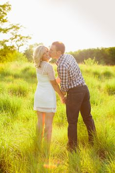 Summer engagement shoot at Longfellow Gardens in Minneapolis. Photo by Eileen K. Photography