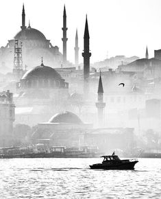 Beautiful Places To Visit, Beautiful World, New Background Images, Black And White Wallpaper, New Backgrounds, Hagia Sophia, Islamic Architecture, Turkey Travel, City Maps