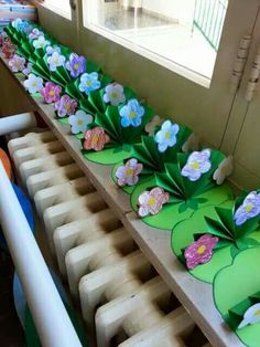trendy flowers crafts for kids summer Preschool Crafts, Easy Crafts, Diy And Crafts, Craft Projects, Crafts For Kids, Arts And Crafts, Paper Crafts, Art N Craft, Spring Art