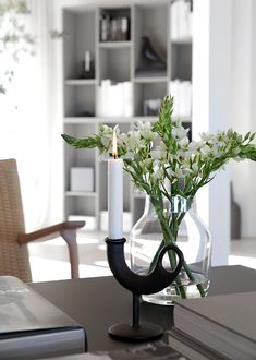I hope you all have had a nice Easter with lots of sunshine? We spent most of the holiday at home enjoying all the sun, but also preparing the terrace f. Shelving Design, Bookshelf Design, Modern French Interiors, Book Wall, Minimal Decor, New Living Room, Spring, Home Accessories, Vase