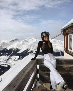 Snow Skiing Snowboarding Winter holiday – Famous Last Words Moda Ski, Shotting Photo, Sport Outfit, Vetement Fashion, Foto Casual, Ski Season, Ski Fashion, City Fashion, Winter Fashion
