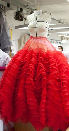 Love the bottom! from Christian Dior Spring 2012 couture