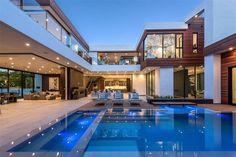 16033 Valley Vista Blvd, Encino, CA 91436 featured on modciti Dream Home Design, Modern House Design, Modern Zen House, Contemporary Design, Dream Mansion, Luxury Homes Dream Houses, Modern Architecture House, Modern Mansion Interior, Architecture Design