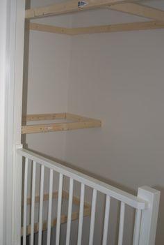 Foto van de afgewerkte kast boven de trap zeer veel for Trapgat maken