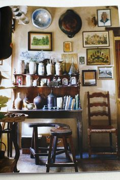 Lunch & Latte: traditional homes in The World of Interiors